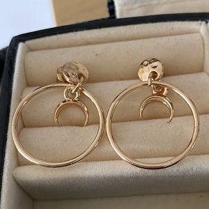beautiful gold hoop style earrings